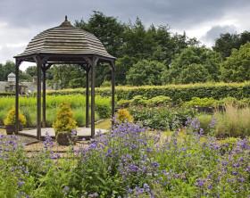 Folly in den Pollok Park Gardens