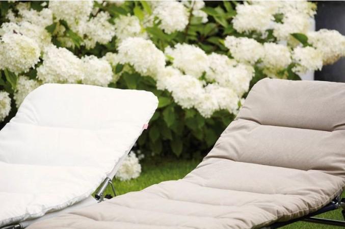 Kuschelige Ganzkörper-Auflage für Gartenliegen
