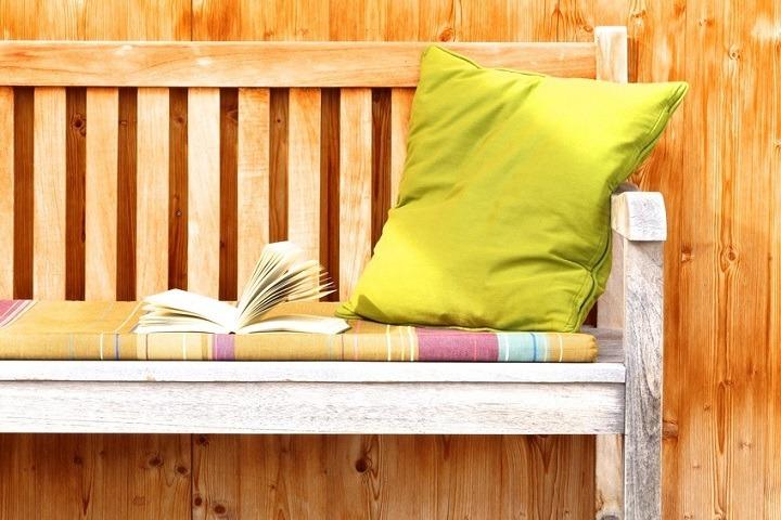 gartenpolster reinigen mit einfachen mitteln. Black Bedroom Furniture Sets. Home Design Ideas