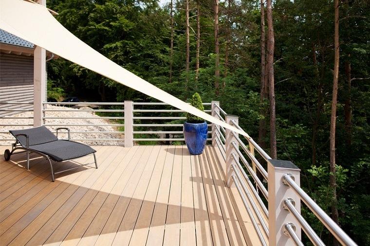sonnensegel f r den balkon die perfekten schattenspender. Black Bedroom Furniture Sets. Home Design Ideas