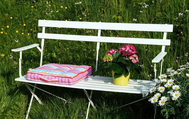 bequem gebettet sitzauflagen f r den garten. Black Bedroom Furniture Sets. Home Design Ideas