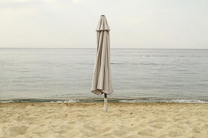 perfekte schutzh lle f r den sonnenschirm gartenmoebel de. Black Bedroom Furniture Sets. Home Design Ideas