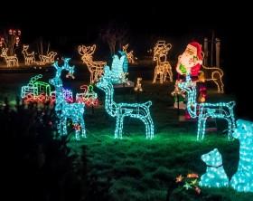 Tipps für eine romantische Weihnachtsbeleuchtung im Garten