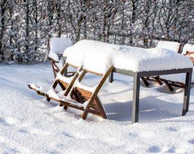 Gartenmöbel überwintern – was Sie beachten sollten