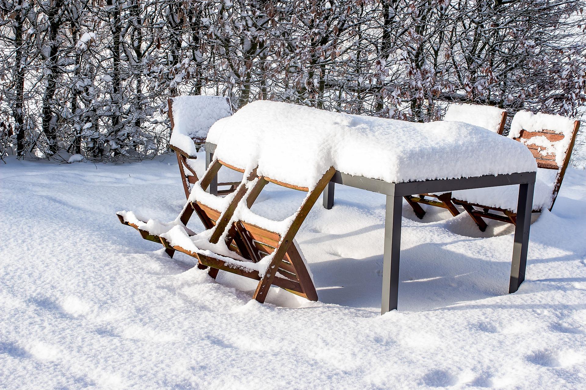 Gartenmöbel überwintern - was Sie beachten sollten