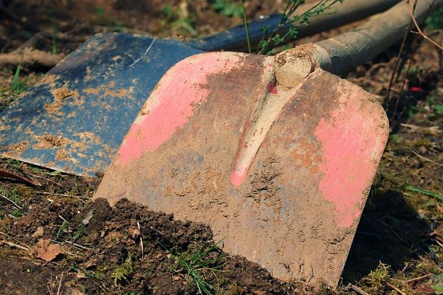 Umgraben im Garten